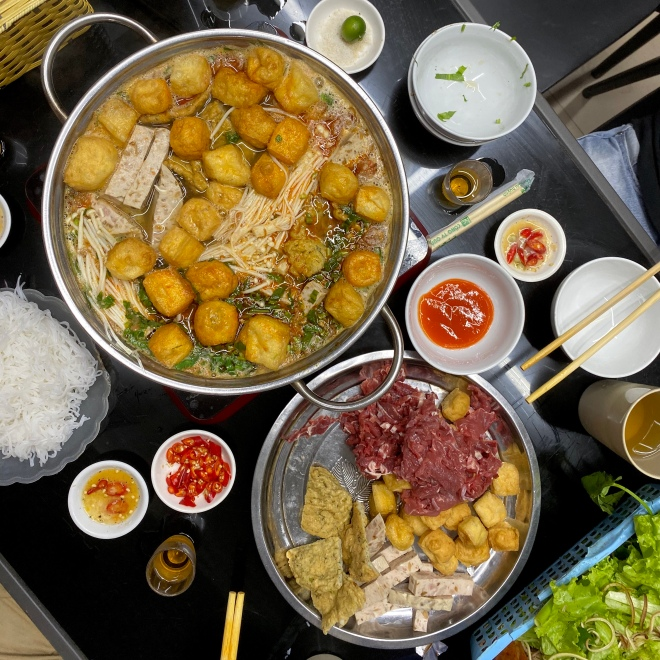 what-to-eat-in-ha-giang-vietnam-hot-pot-lau